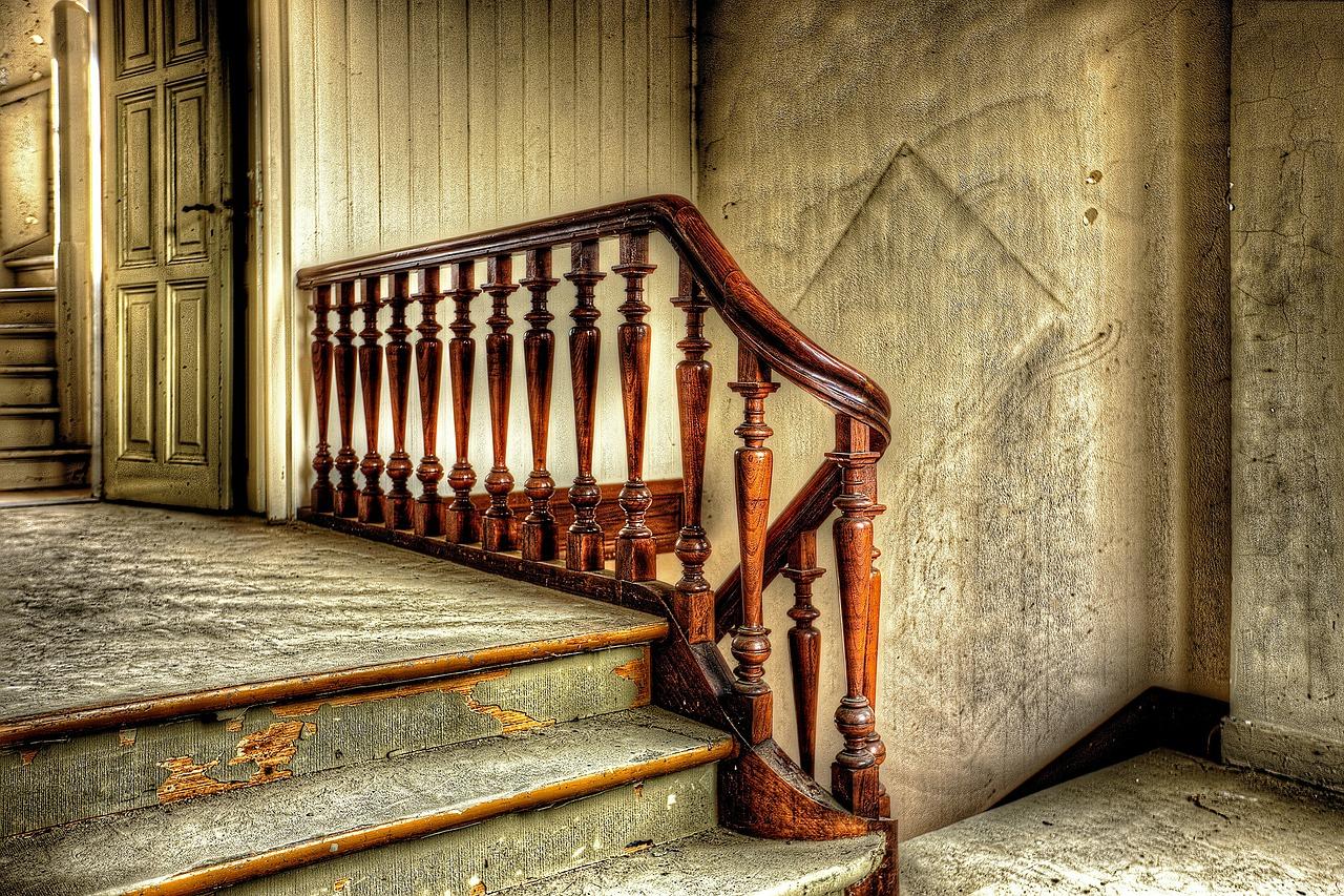 Scale condominiali vecchie
