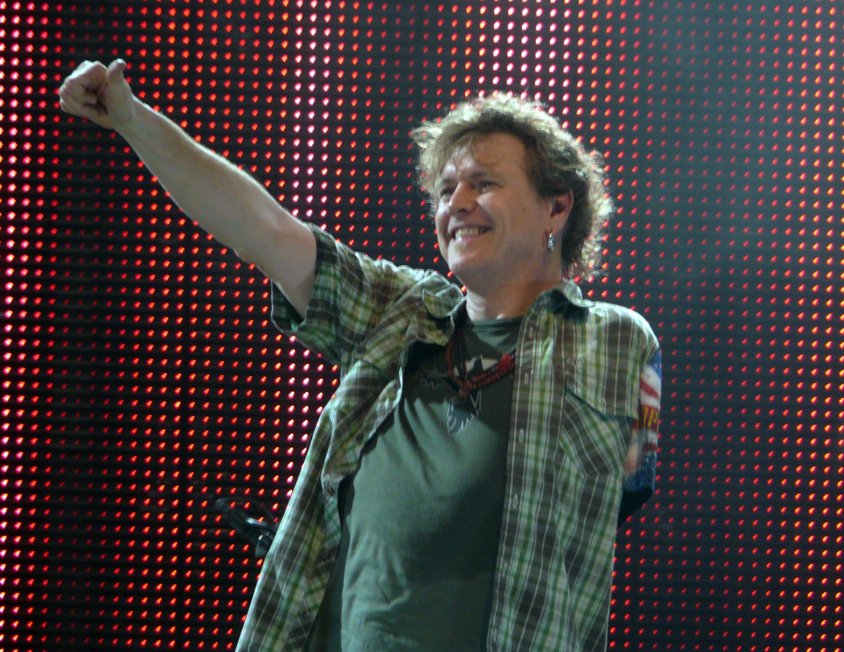 Foto di Rick Allen alla fine di un concerto